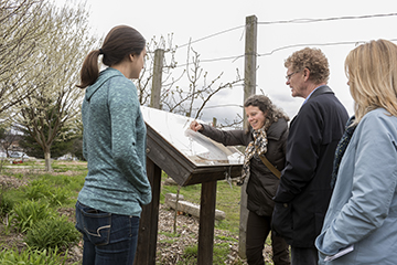 photo of Bloomington Community Orchard tour