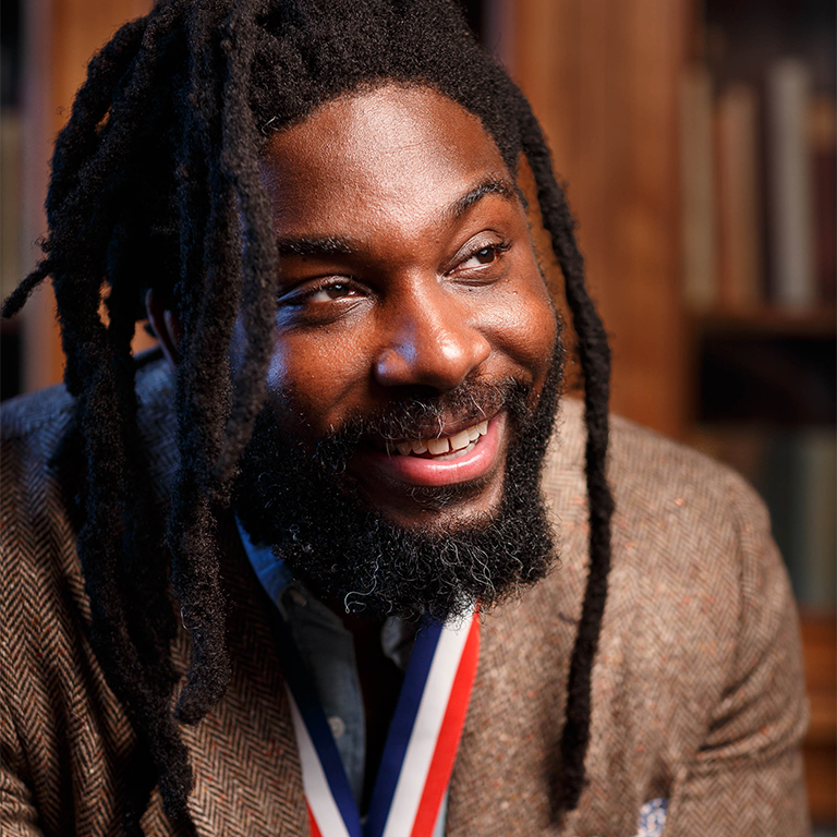 Photo of Jason Reynolds.