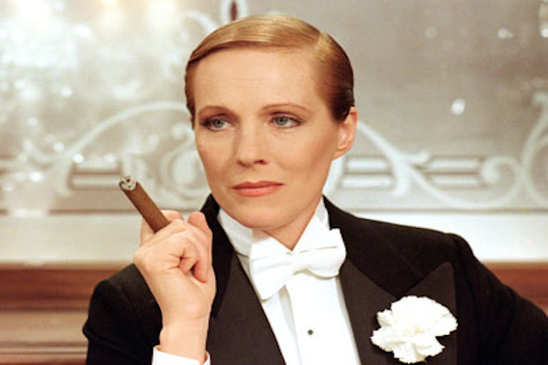 still image from Victor/Victoria