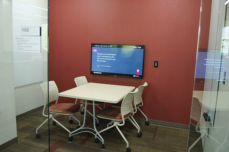 4-seat room in the Learning Commons showing table, chairs, and computer monitor.