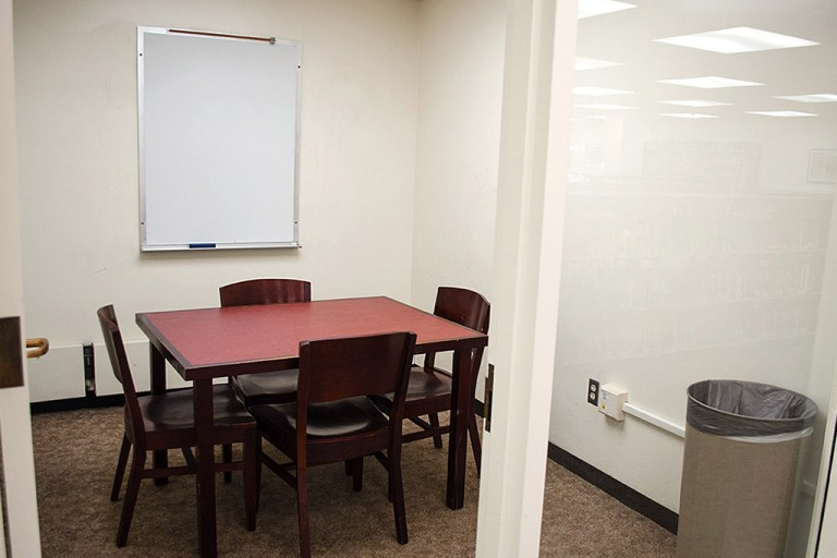 Group Study Rooms 5 seats