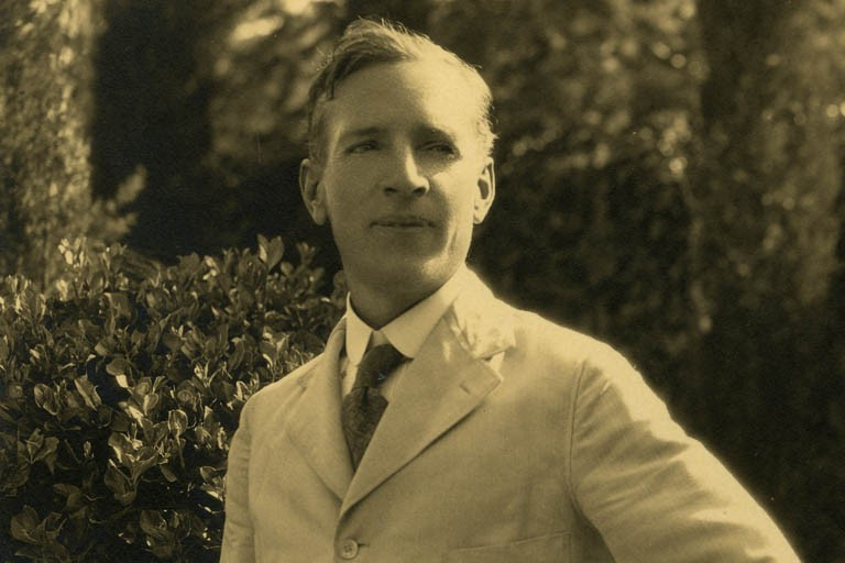 Portrait photograph of Upton Sinclair