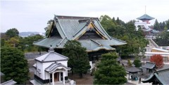 photograph of a Japanese Buddhist temple